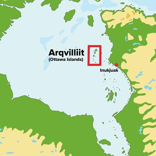 Arqvilliit, también llamada Islas Ottawa, es una cadena de 24 islas, ubicadas en la parte noreste de la Bahía de Hudson.