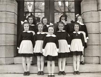 « Les Tabliers », élèves de la 3e année de l'école Saint-Gérard d'Ottawa